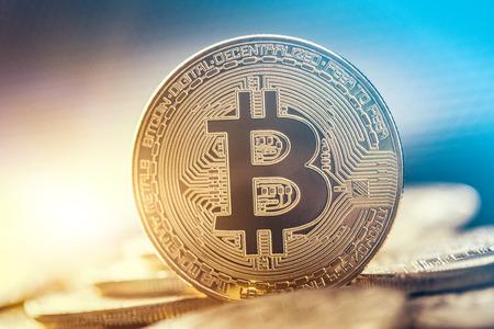 Pièce en or Bitcoin. Concept Cryptocurrency. Contexte de la monnaie virtuelle.