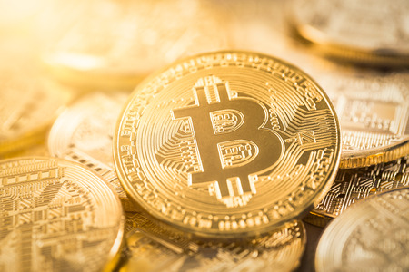 Bitcoin gouden munt. Cryptocurrency concept. Virtuele valuta achtergrond. Stockfoto
