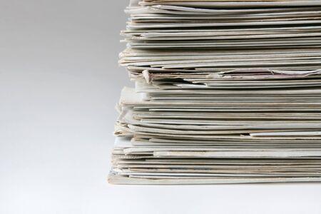 correspondencia: Gran montón de cartas y tarjetas postales antiguas, útiles para ilustrar la correspondencia o el correo spam