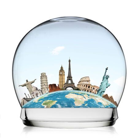 pise: Famous monuments of the world in a snowball