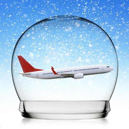 boule de neige: Concept de Voyage Snowball avec un plan repr�sentant vacances