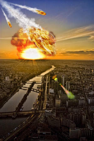 end of the world: Meteorite shower over a cityrepresenting the Apocalypse Stock Photo