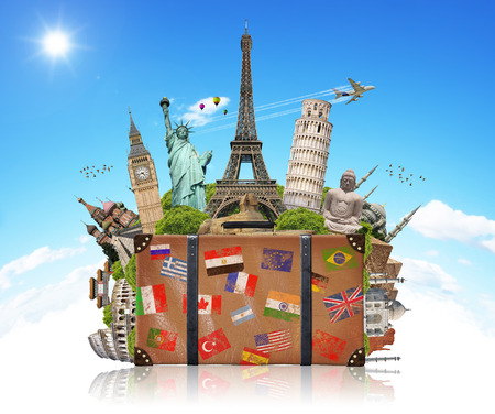 pise: Famous monuments of the world grouped together in a suitcase