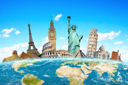 cestování: Slavné památky světa seskupeny na planetě Zemi Reklamní fotografie