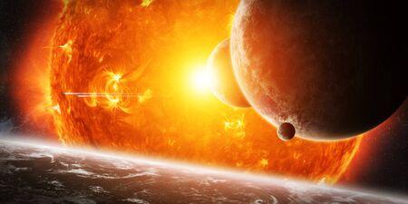 Sun esplodere vicino al sistema di pianeti abitati Archivio Fotografico - 51961122