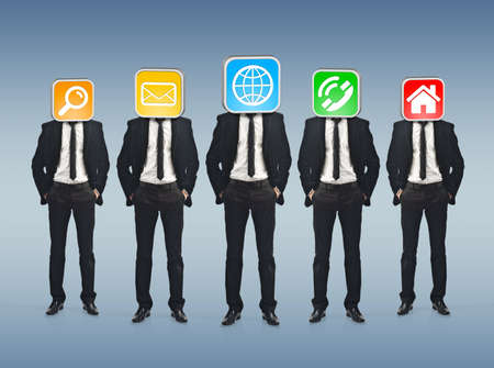 connexion: Businessmen working together as a team with icons instead of their heads