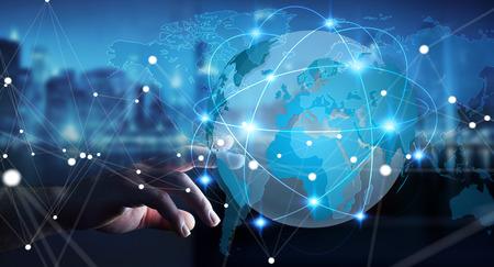 Zakenman die wereldwijd netwerk en data uitwisseling over de wereld 3D-rendering aanraakt Stockfoto