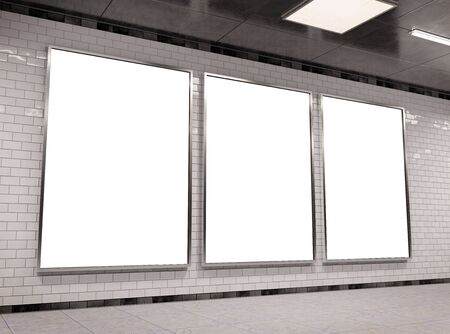Rendering 3D Mockup per cartelloni pubblicitari sotterranei triplo A4 verticale