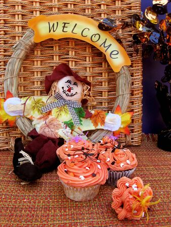 Halloween welcome with cupcakes Stock Photo - 7964662