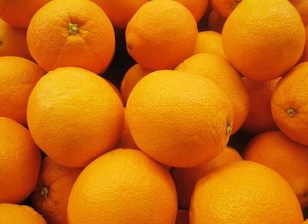 navel orange: Box of ripe oranges