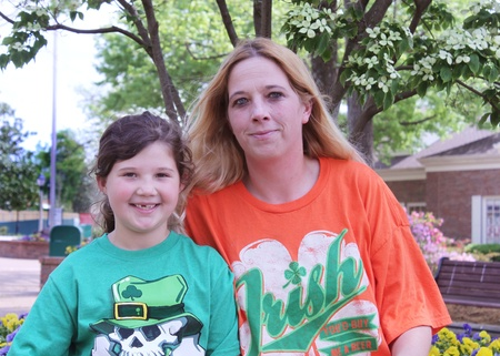 st  patty's: Mother and daughter in St Pattys Day shirts