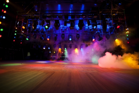 ステージ ライト本体、煙の 写真素材 - 20454425
