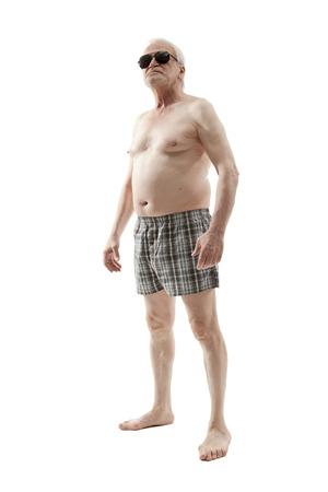 nackt: Naked �lterer Mann mit Bauch isoliert auf wei�em Hintergrund