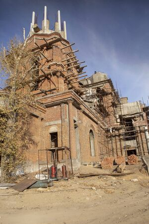 The process of building an Orthodox cathedral
