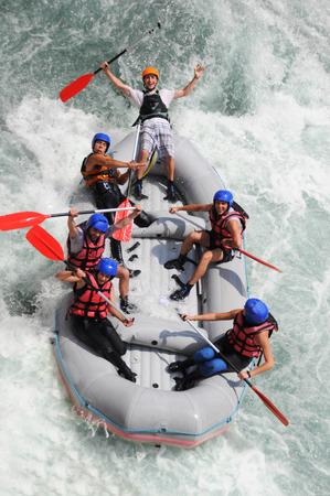 Kayak come sport estremo e divertimento Archivio Fotografico - 32914414