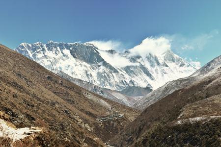 everest: Everest mountain range panorama. Everest, Lhotse and Nuptse shar.
