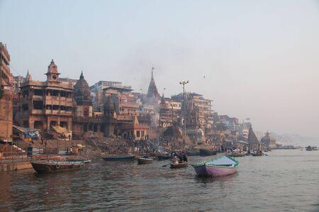 Varanasi Morgen am Ganges Lizenzfreie Bilder