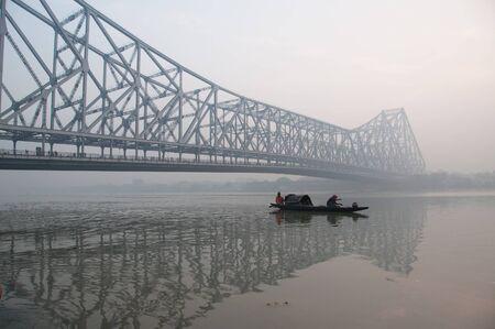 Kolkata Howrah-Brücke bei Sonnenaufgang