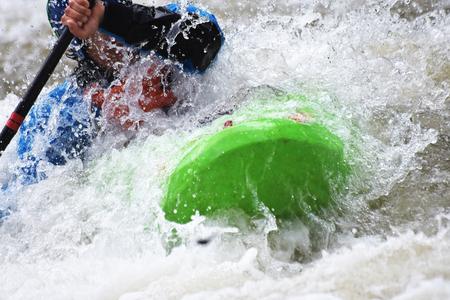 Kayaking als Extrem und Spaß Mannschaftssport Standard-Bild