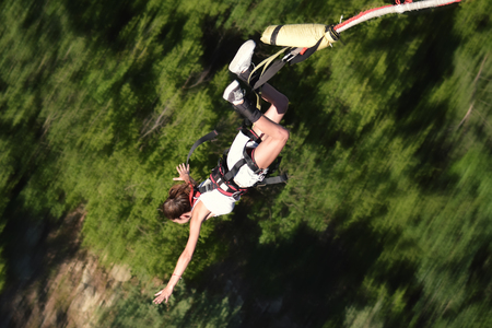 Bungee jump as extreme and fun sport Standard-Bild