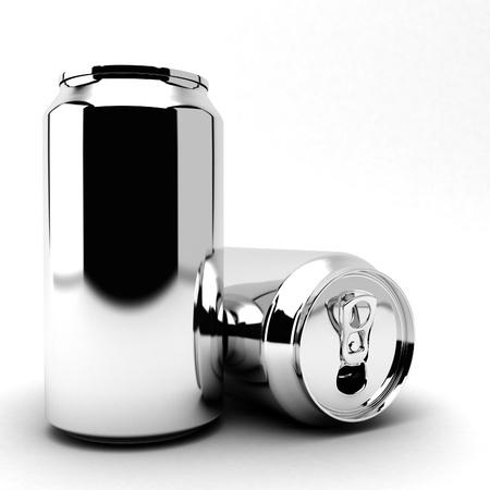 cola canette: la bi�re vide peut sur fond blanc Banque d'images