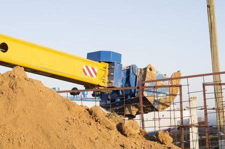 telescopic: Bucket excavators telescopic boom at work
