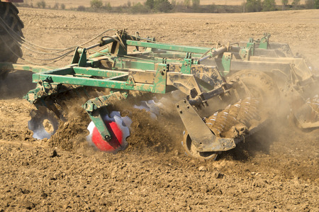 harrow: Work disc harrow tillage before planting