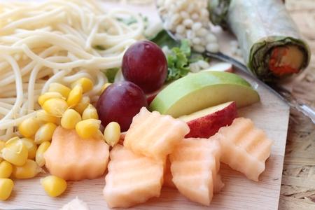 mix fruit: Pasta spaghetti with salad mix fruit.