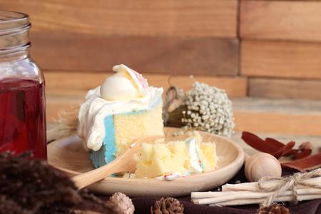 white cream: White cream cake delicious and drink red water mix soda