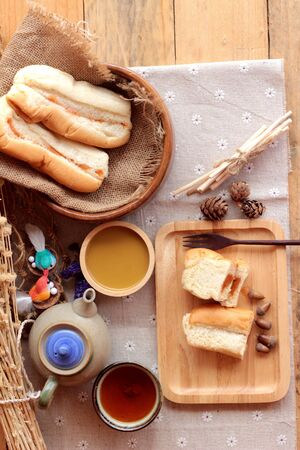 fiber food: Bread with milk tea custard and hot tea