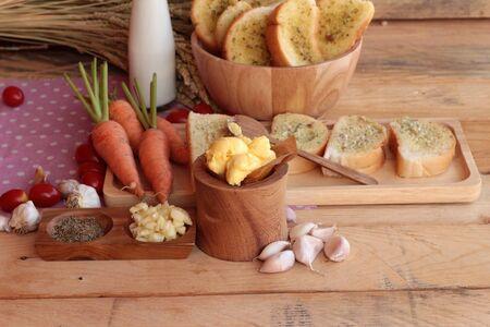 haciendo pan: Garlic bread of herb delicious with making bread