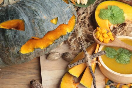 pumpkin soup: Halloween pumpkins and pumpkin soup