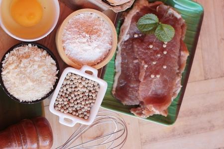 Making pork fried with breaded ( pork cutlet tonkatsu)