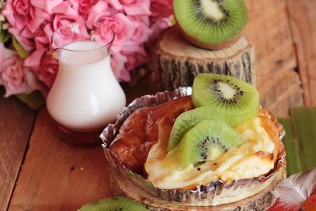 Bread baked fruit topping sliced kiwi fruit Stock Photo