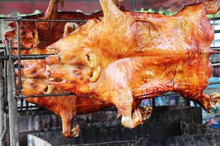 バーベキュー子豚のロースト豚はおいしい