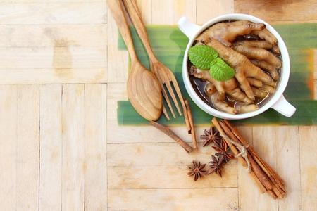 Voeten kip gestoofd is heerlijk, Chinees eten