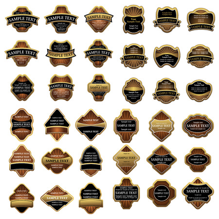 Oro etichette d'epoca incorniciati con vuoti banner nastro modello isolato su sfondo bianco per la campagna pubblicitaria e packaging design