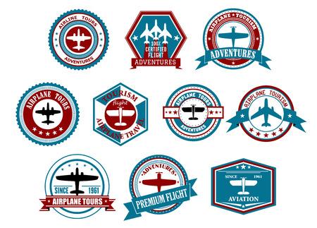 Retro Fluggesellschaft Tourismus und Reisen Etiketten oder Abzeichen mit Silhouetten von Flugzeugen in verschiedenen Rahmen verziert Farbband Banner, Sternen und Wellen für Reisebüro oder Transportation Design