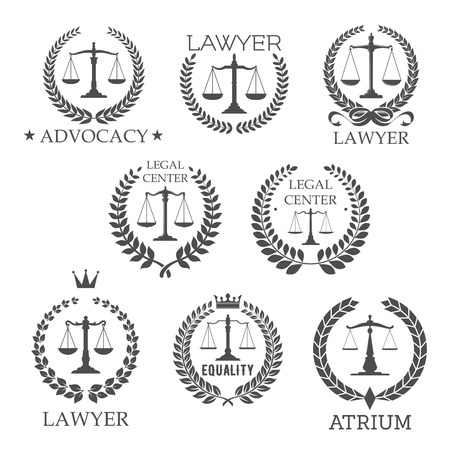 Scale di giustizia in corona di alloro telai simboli retrò per il servizio legale, studio legale, sede legale, modelli di design di advocacy, ornato da stelle, corone ed elementi di design del nastro fiocco Archivio Fotografico - 56622701