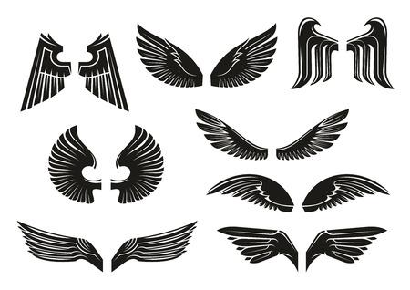 tatouage ange: ailes héraldiques noires fixées dans le style tribal pour le tatouage et le livre, l'héraldique ou la conception religieuse isolé sur blanc. les oiseaux et les ailes d'ange vintage ou rétro