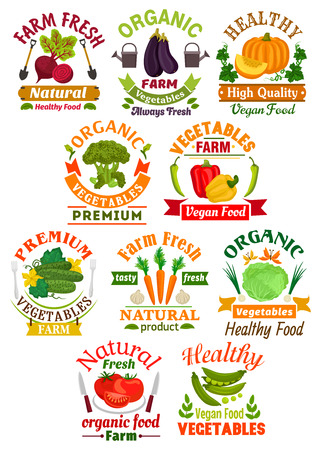 fresh vegetable: Farm fresh vegetable badge set. Pepper, tomato, carrot, cabbage, eggplant, broccoli, pumpkin, beet, cucumber, green pea and garlic vegetable symbol with ribbon banner for farm market design