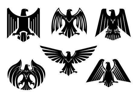 Icone nere araldiche di aquila impostate o emblema isolato uccello avvoltoio. Reale imperiale del distintivo grifone primitivo gotico. Blocco di vettore o stemma con falco o falco simbolo di potere con le ali diffuse, frizioni affilate. Segno militare araldico