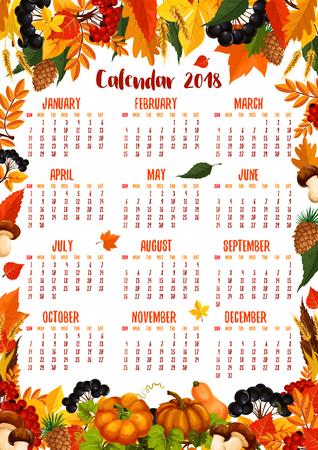 Herbstkalender 2018 Schablonenplakat des fallenden Ahorns, der Eiche, der Espe und des Ebereschebaumblattes mit Eichel-, Wulstling- oder Ceppilzen und Vogelbeere, Kürbis oder Ebereschenbeerenernte, Tannen- und Kiefernkegeln Standard-Bild - 83687711