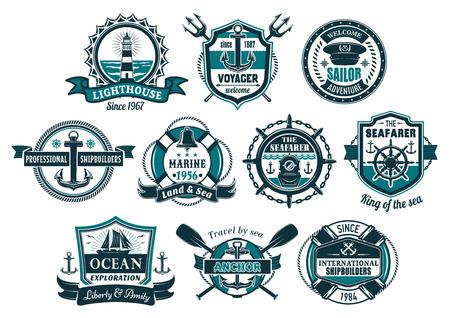 Ncora do mar e barco náutico distintivo conjunto. Âncora e volante do navio marinho, veleiro, farol, capacete de mergulho, sino e cap capitão com lifebuoy, corda, corrente para design heráldico náutico. Foto de archivo - 92747463