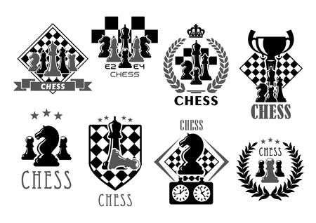 Iconos del club de ajedrez para concurso o competición de juegos de ajedrez. Símbolos vectoriales del premio de la copa de la copa de la victoria en el tablero de ajedrez. Ganador piezas de laurel y ajedrez rey y reina, torre o peón y alfil de caballo Ilustración de vector