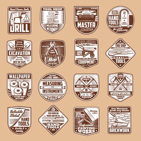 Narzędzia wektorowe ikony z młotkiem, wiertarką i linijką, kluczem, wałkiem do malowania i piłą, siekierą, przybornikiem i kielnią, kilofem i łopatą na starej tarczy. Budownictwo, stolarstwo, remonty domów i przemysł wydobywczy