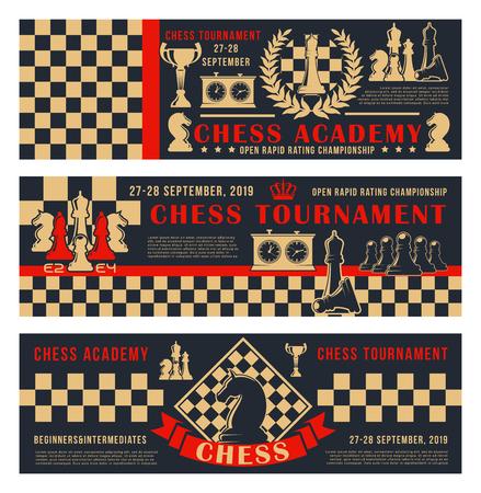 Bannières d'académie d'échecs ou de tournoi et de championnat. Pièces de jeux de loisirs d'échecs vectoriels cheval, tour et couronne de roi sur fond de stratégie d'échiquier avec horloge de score