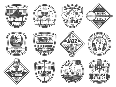 Sound recording studio label, music instruments store and karaoke club icons. Vector radio station or retro music festival piano, microphone and DJ headphones, jazz club saxophone and guitar Stock Illustratie