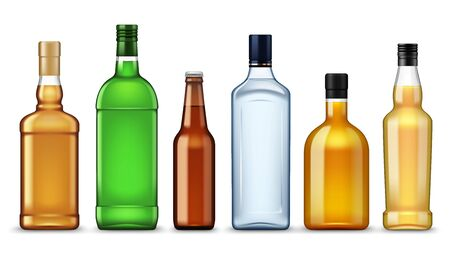 Botellas de bebidas alcohólicas, plantillas de maquetas 3d realistas, vodka o tequila aislados de vectores, whisky y coñac, vermú y absenta, botellas de licor o bourbon y cerveza, bebidas de marcas premium
