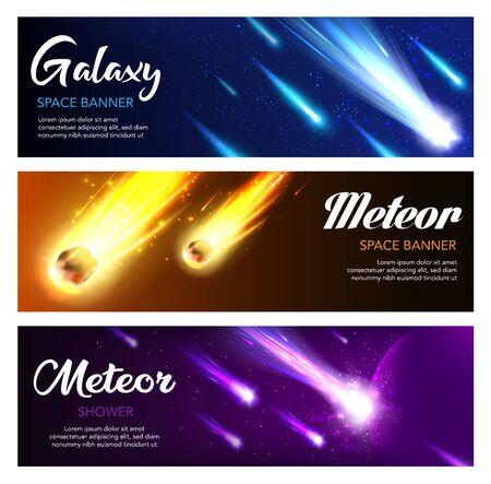 Bannières vectorielles de pluie de météores et de galaxies de comètes et d'astéroïdes en chute, conception de l'espace. Ciel nocturne avec étoiles filantes, planète et boules de feu de météorite avec traînées et queues rougeoyantes bleues et jaunes Vecteurs